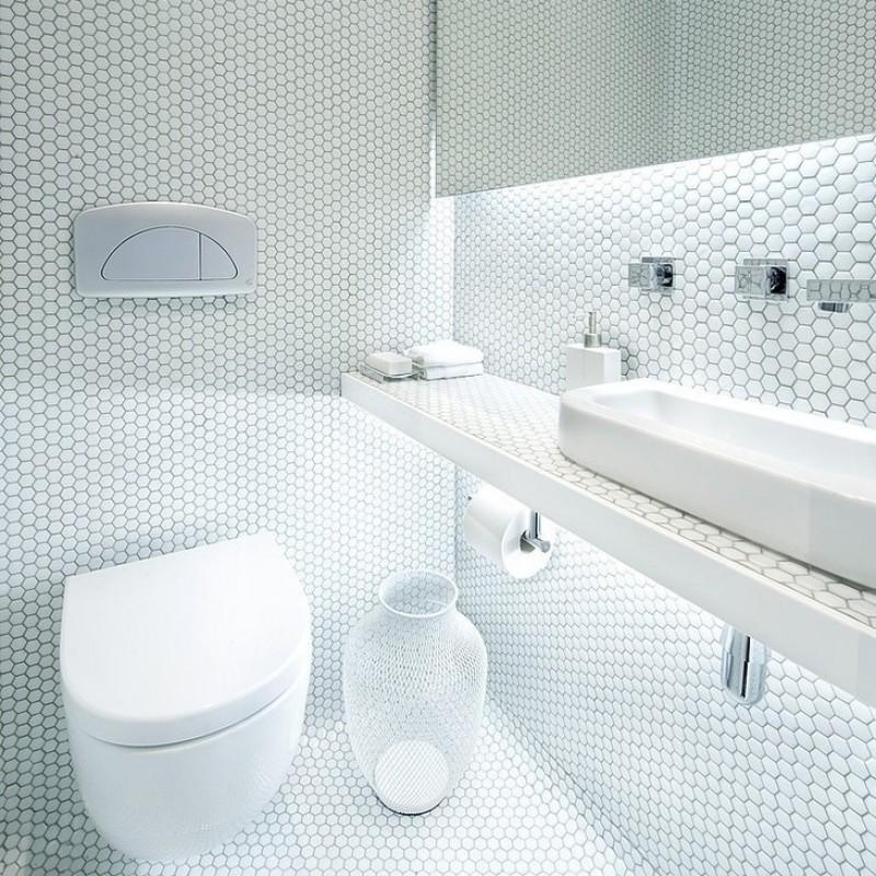 24 Wonderful Shiny White Bathroom Tiles Eyagci Com