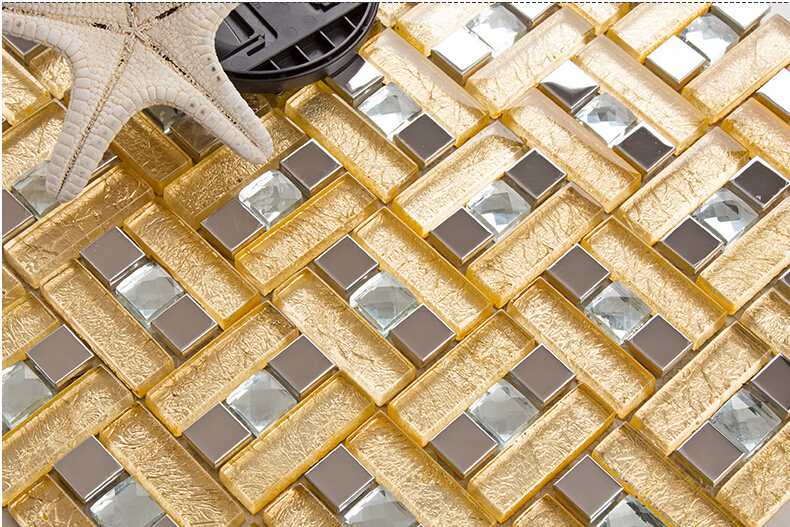 enlarged photo of the metallic mosaic tile gold brushed aluminum sheet